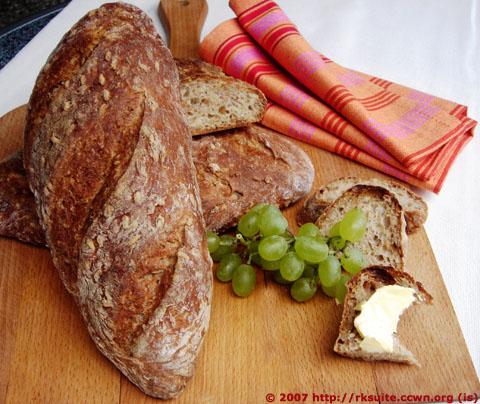 Elsässerbrot mit Roggenkörnern / Alsace bread with rye grains