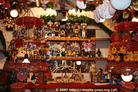 Weihnachtsmarkt Stuttgart 2007 Erzgebirgsschnitzereien