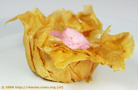 Filoschälchen mit Erdbeercreme