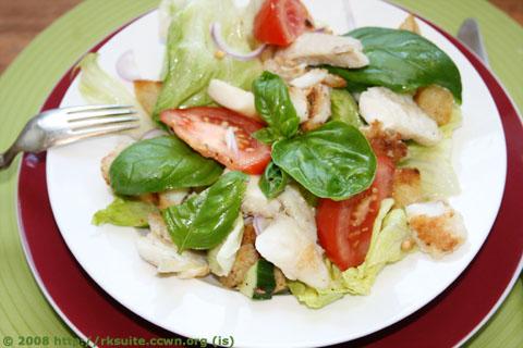 Tomaten-Brot-Salat mit Rotbarsch