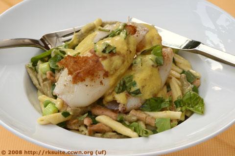 Calamari mit Pasta und Paprikasahne