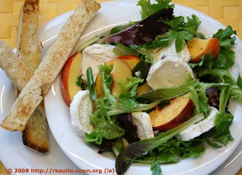 Salat mit Nektarinen und Ziegenkäse_2