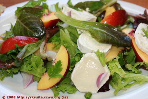 Salat mit Nektarinen und Ziegenkäse_3