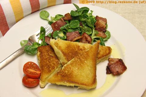 Feldsalat mit Kartoffelvinaigrette und Käsetoast