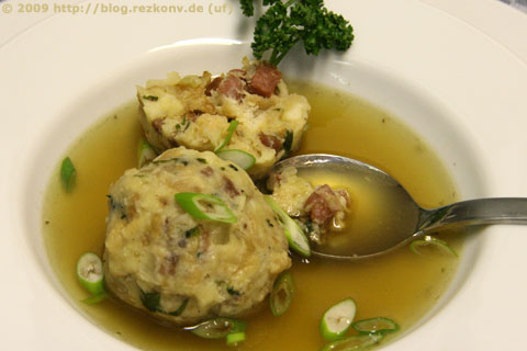 Tiroler-Knödel-Suppe