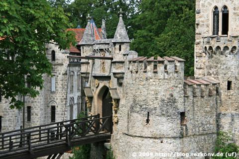 Zugbrücke am Eingang zum Schloss Lichtenstein