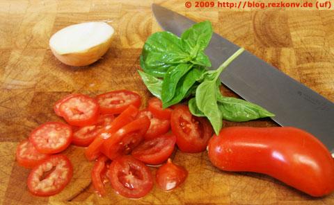 Zutaten für den Tomatensalat