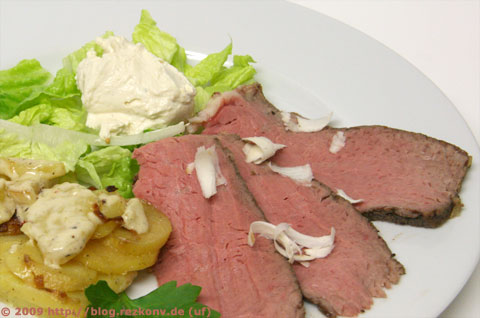 Roastbeef mit Kartoffelgratin und Dip