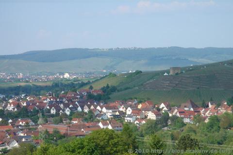 Blick auf Stetten und die Yburg