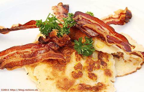 Maispfannkuchen mit Baconstreifen